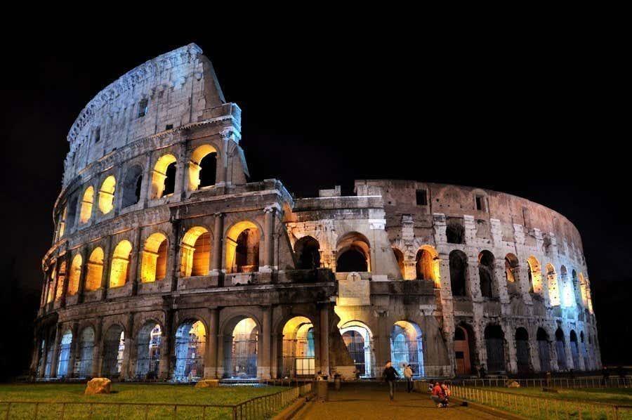 Il Colosseo illuminato