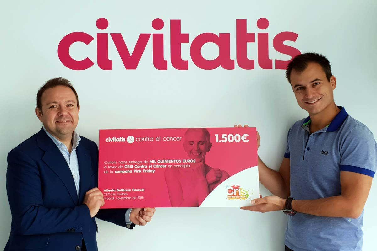 Civitatis entrega su donación a la Fundación CRIS