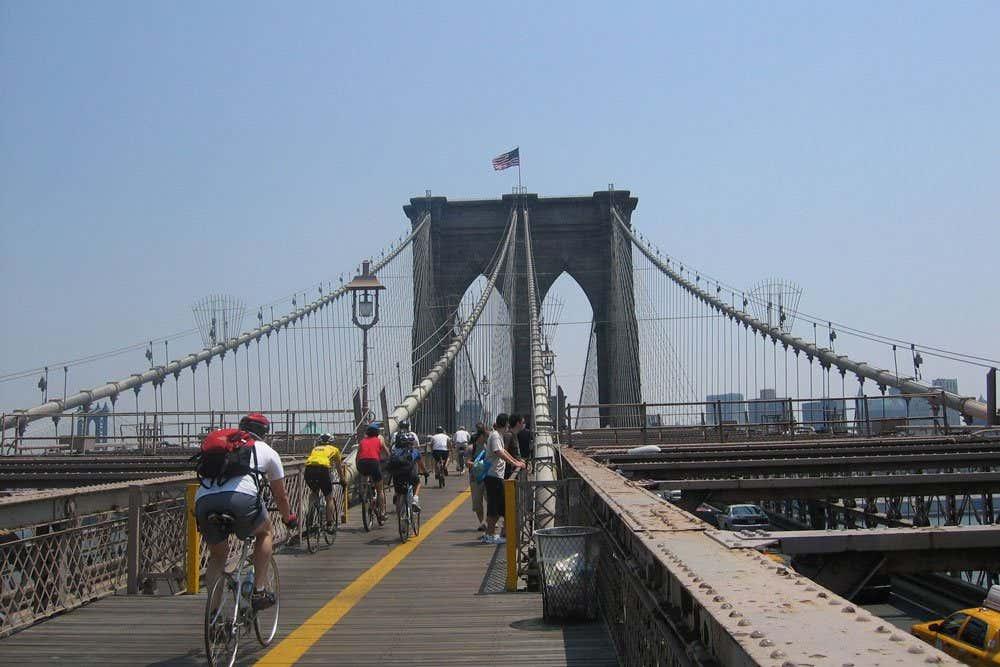 Brooklyn Bridge in New York: Places to Ride Bikes
