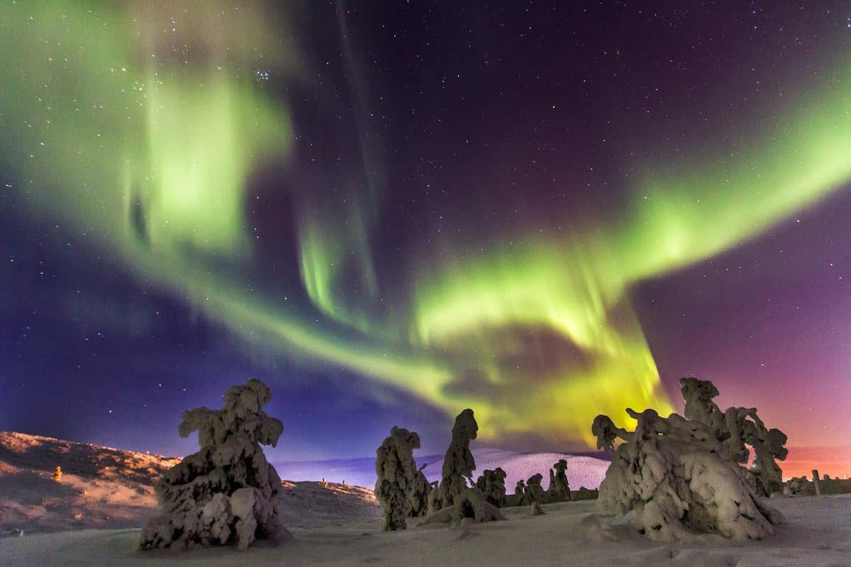 Aurores boréales de Rovaniemi. Le ciel coloré de Rovaniemi.