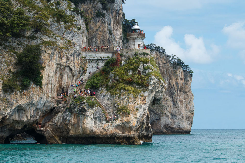 Top 5 Beaches and Hiking Routes in Spain