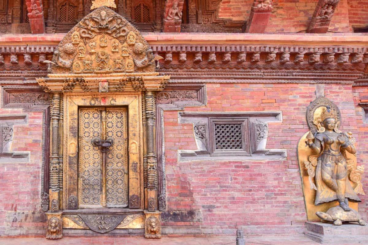 Porte d'Or de Patan, au Népal.