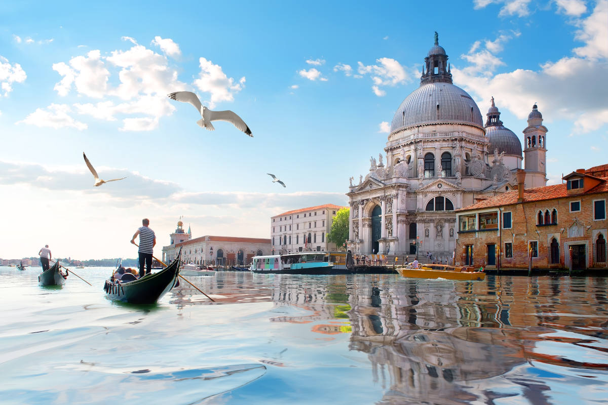 Guide to interrailing: The canals of Venice