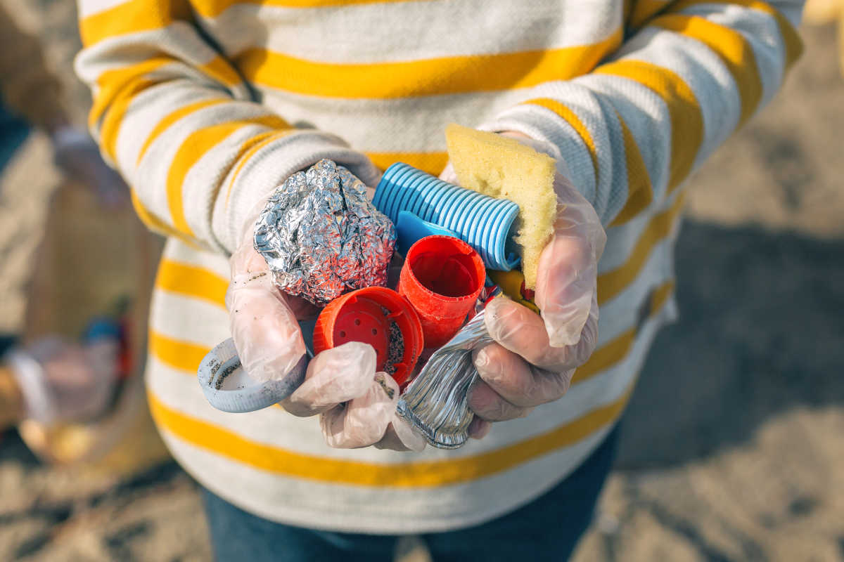 Sustainable tourism: Plastic constitutes between 60% and 80% of sea waste