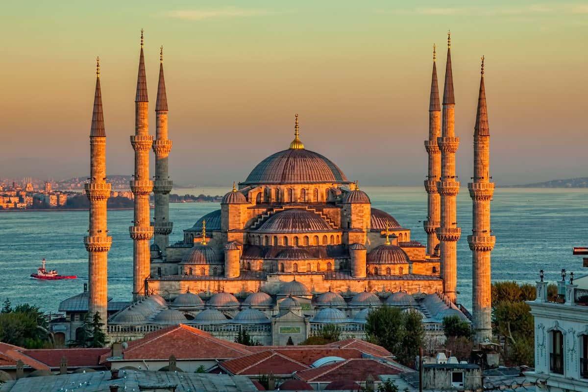 Mezquita Azul de Estambul al atardecer