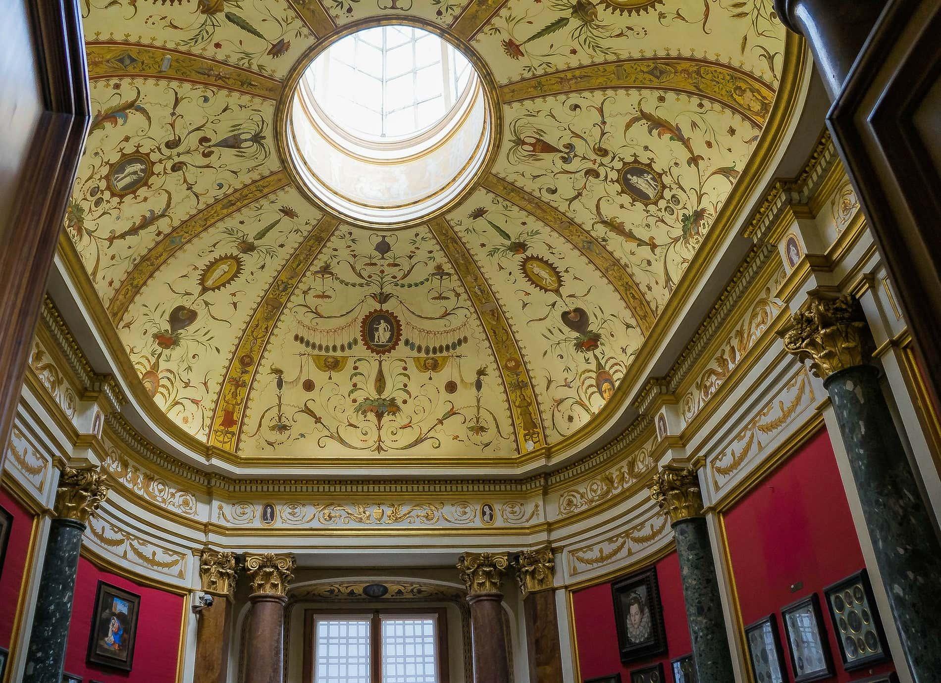 Turismo senza affollamento alla Galleria degli Uffizi di Firenze