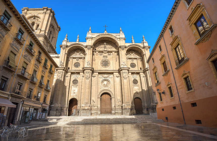 Plaza de las Pasiegas de Granada, lugar donde se erige la catedral de la ciudad.