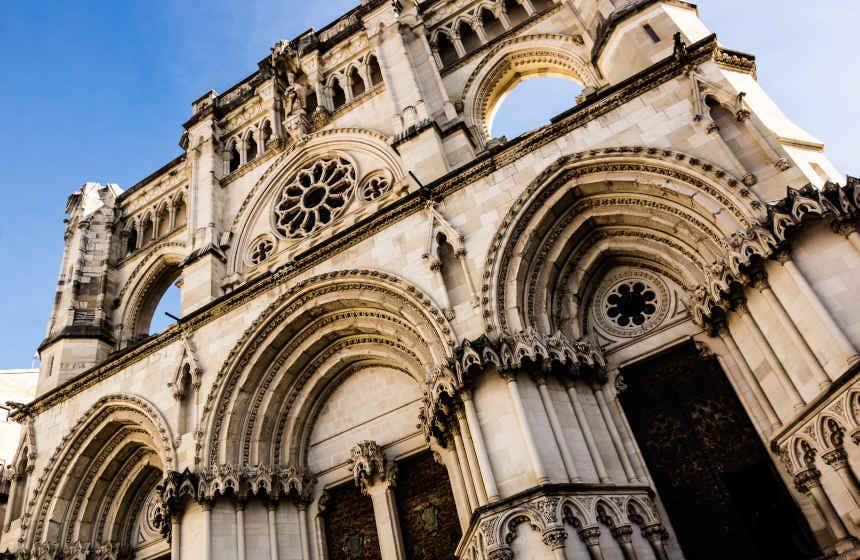 Fachada de la catedral de Cuenca, inspirada en la catedral de Reims.