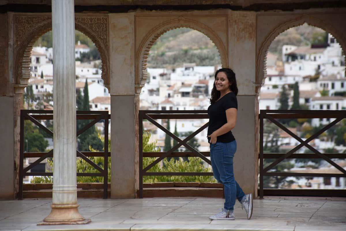 Larissa visitando la Alhambra