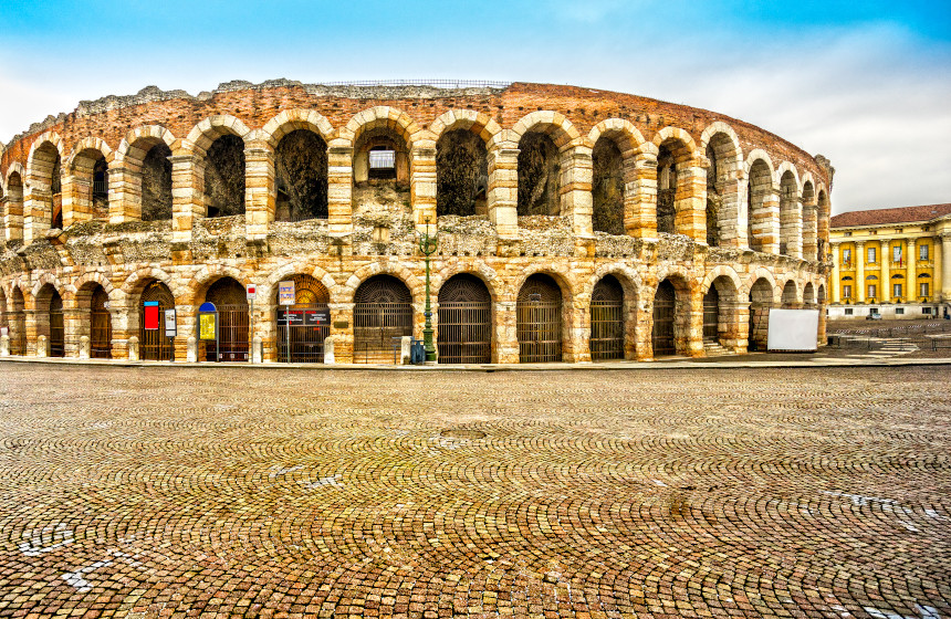 What to see in Verona: The Verona Arena, one of the city's most beautiful remains.