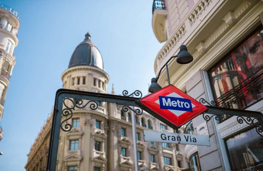 Bouche de métro de la station de Gran Vía, Madrid.