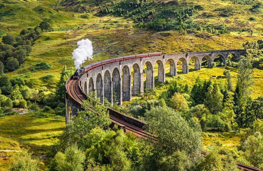 Il viadotto di Glefinnan, in Scozia