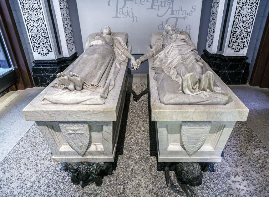 Mausoleo de los amantes de Teruel en la cripta de la iglesia de San Pedro, Teruel.