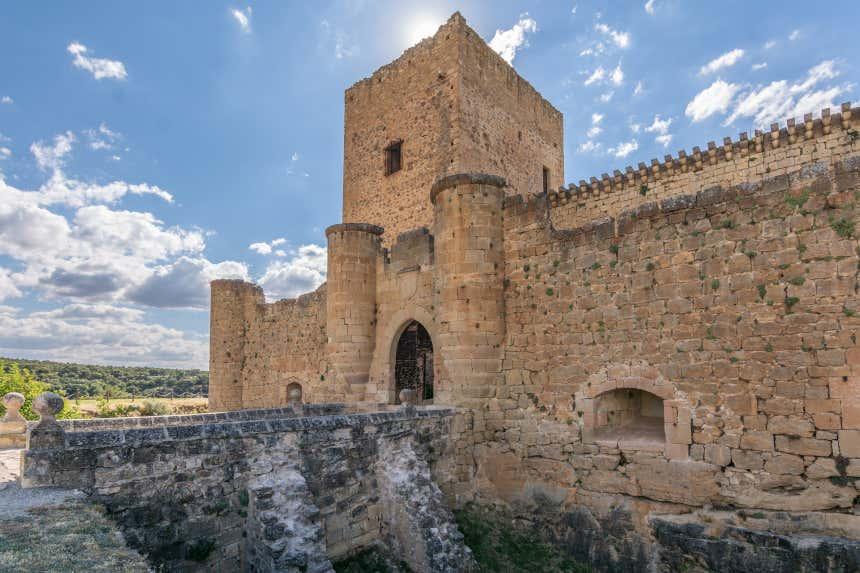 Entrada del castillo de Pedraza, en Segovia.