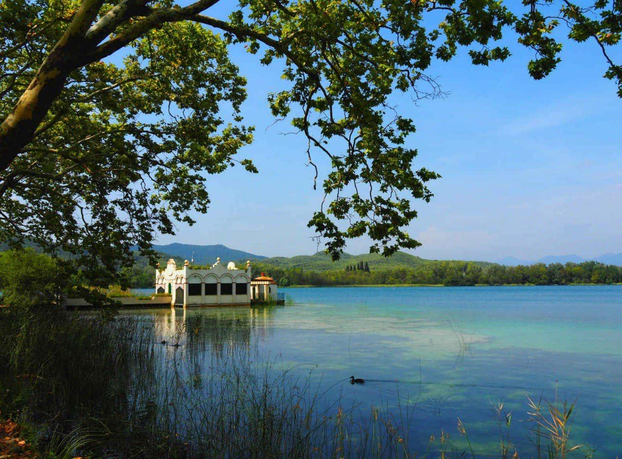 Vista del lago de Bañolas, en la provincia de Gerona.
