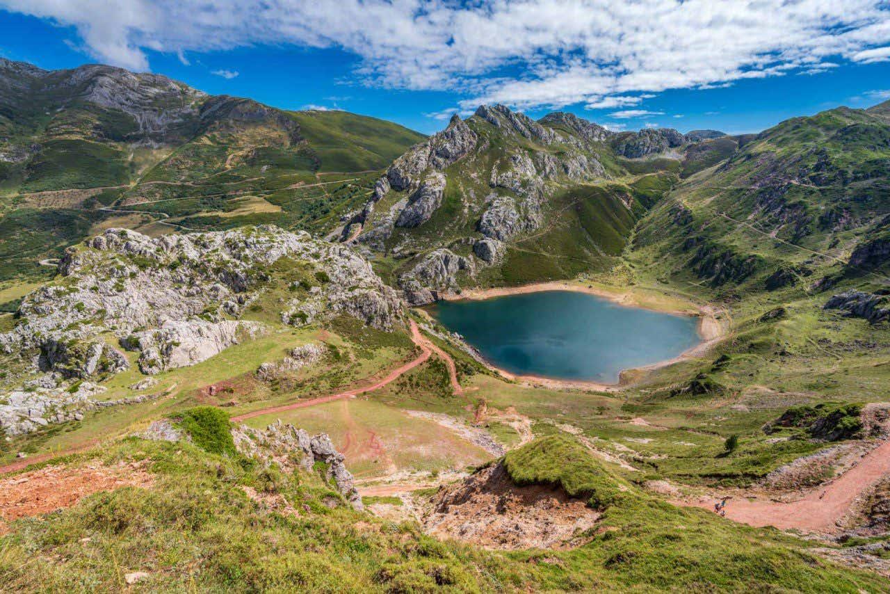 Lago del Valle en el Parque Natural de Somiedo, Asturias.