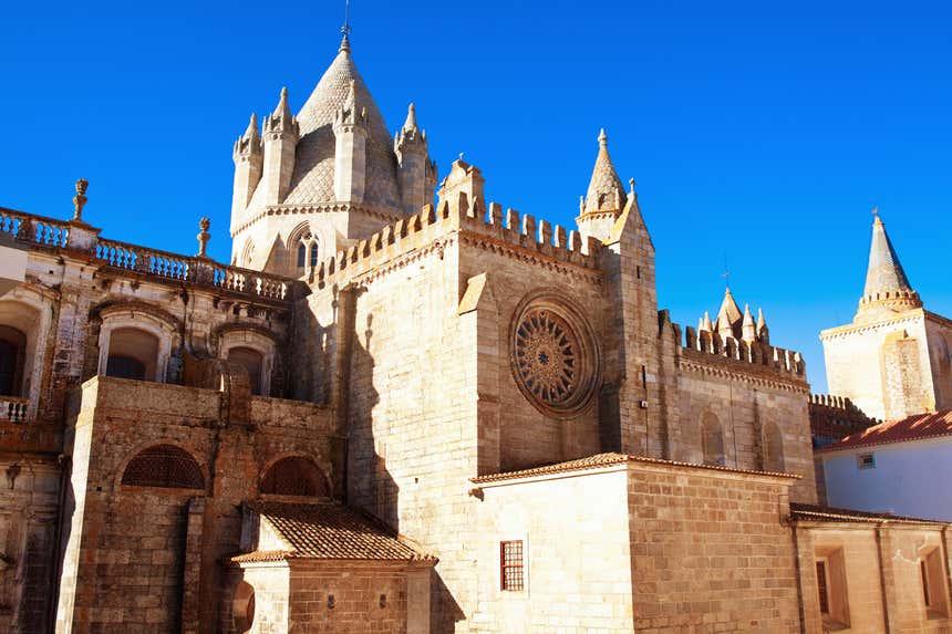 Fachada da Sé Catedral de Évora