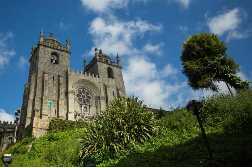 A imponente Sé Catedral do Porto