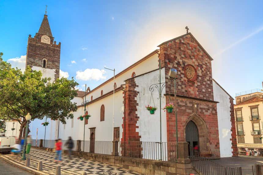 Fachada de Sé Catedral do Funchal