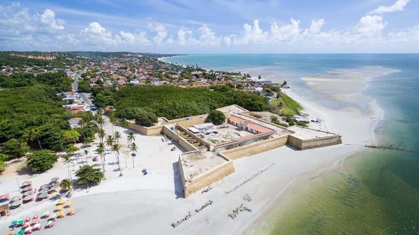 Itamaracá reúne história e belezas naturais