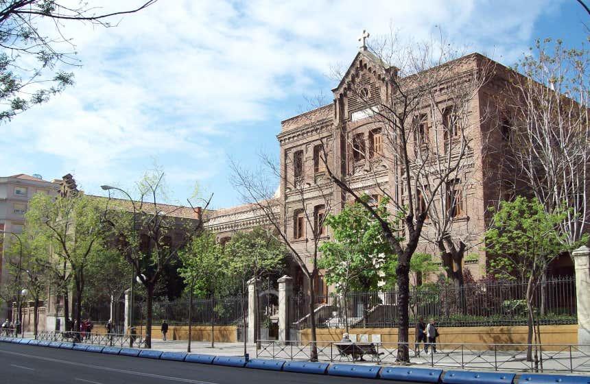 Edificio neomudéjar de la Prisión Provincial de Torrijos.