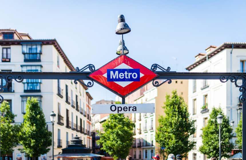 Entrada al metro de Madrid.