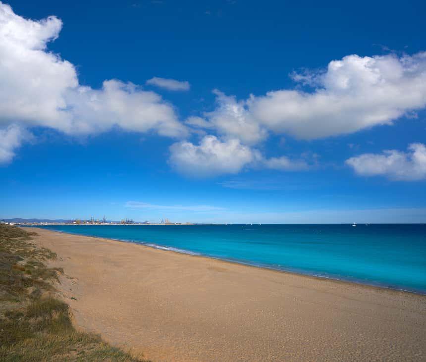 Litoral de la playa de Pinedo, en Valencia