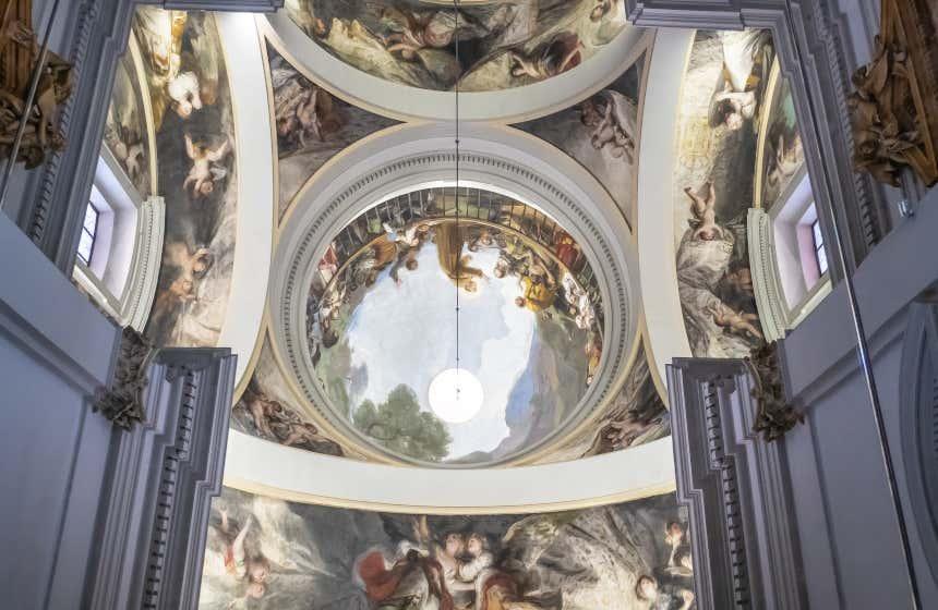 Iglesia en la que está enterrado Goya, uno de los secretos que no conoces de Madrid.