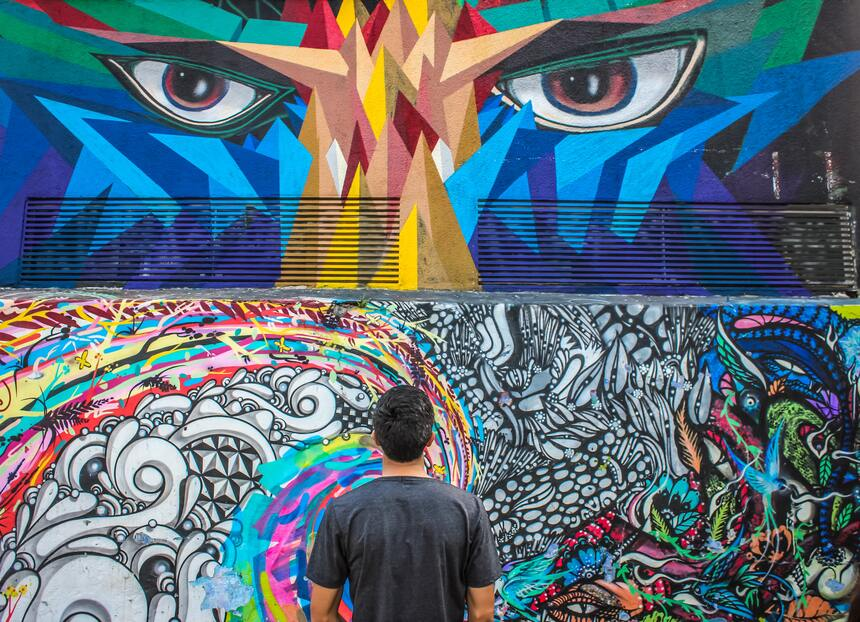 Beco do Batman, na Vila Madalena, reúne a obra de diversos artistas