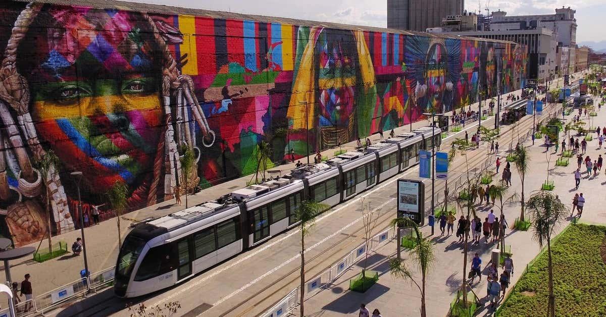 Mural gigante do artista Eduardo Kobra no Boulevard Olímpico