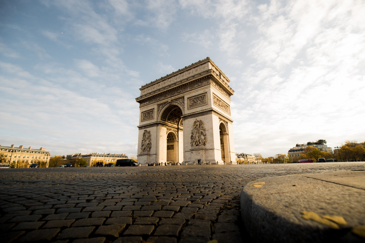 Découvrez un incontournable de Paris, l'Arc de Triomphe