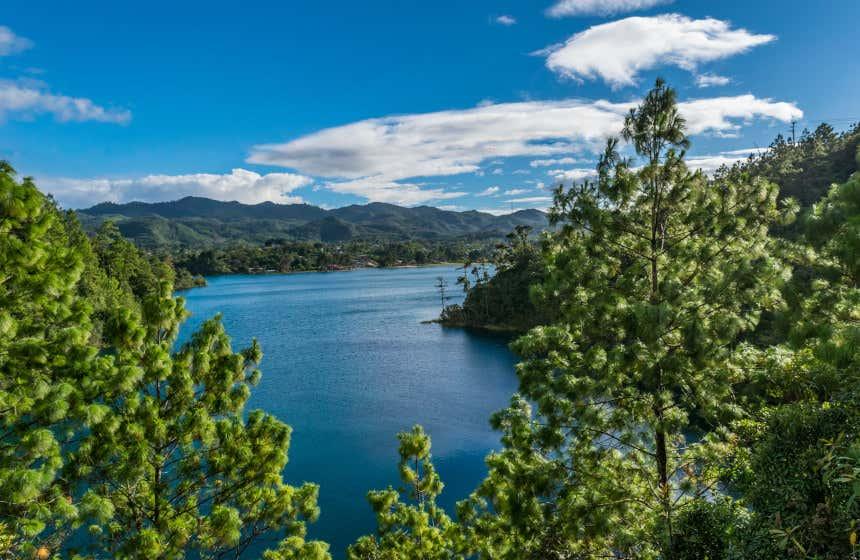 Una de las 59 lagunas del Parque Nacional Lagunas de Montebello.