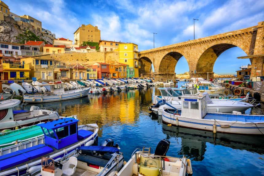 Barcos en el Port Vieux de Marsella, Francia