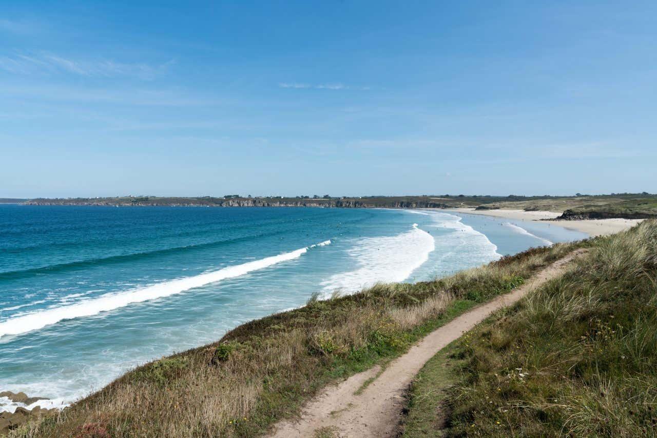 La Côte des Légendes abrite l'une des plus belles plages de France.