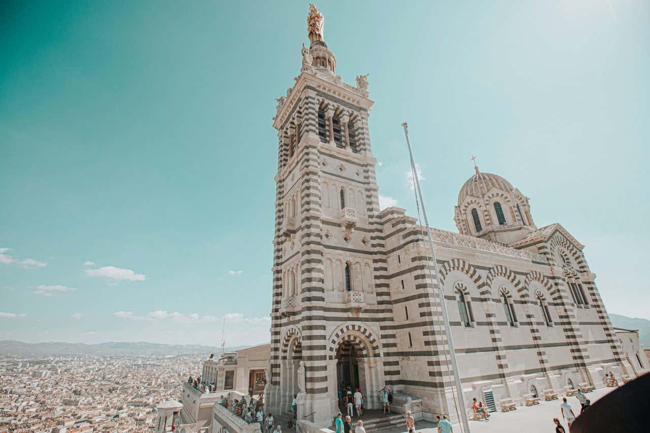 Visitez l'incontournable de France, la Basilique Notre-Dame-de-la-Garde