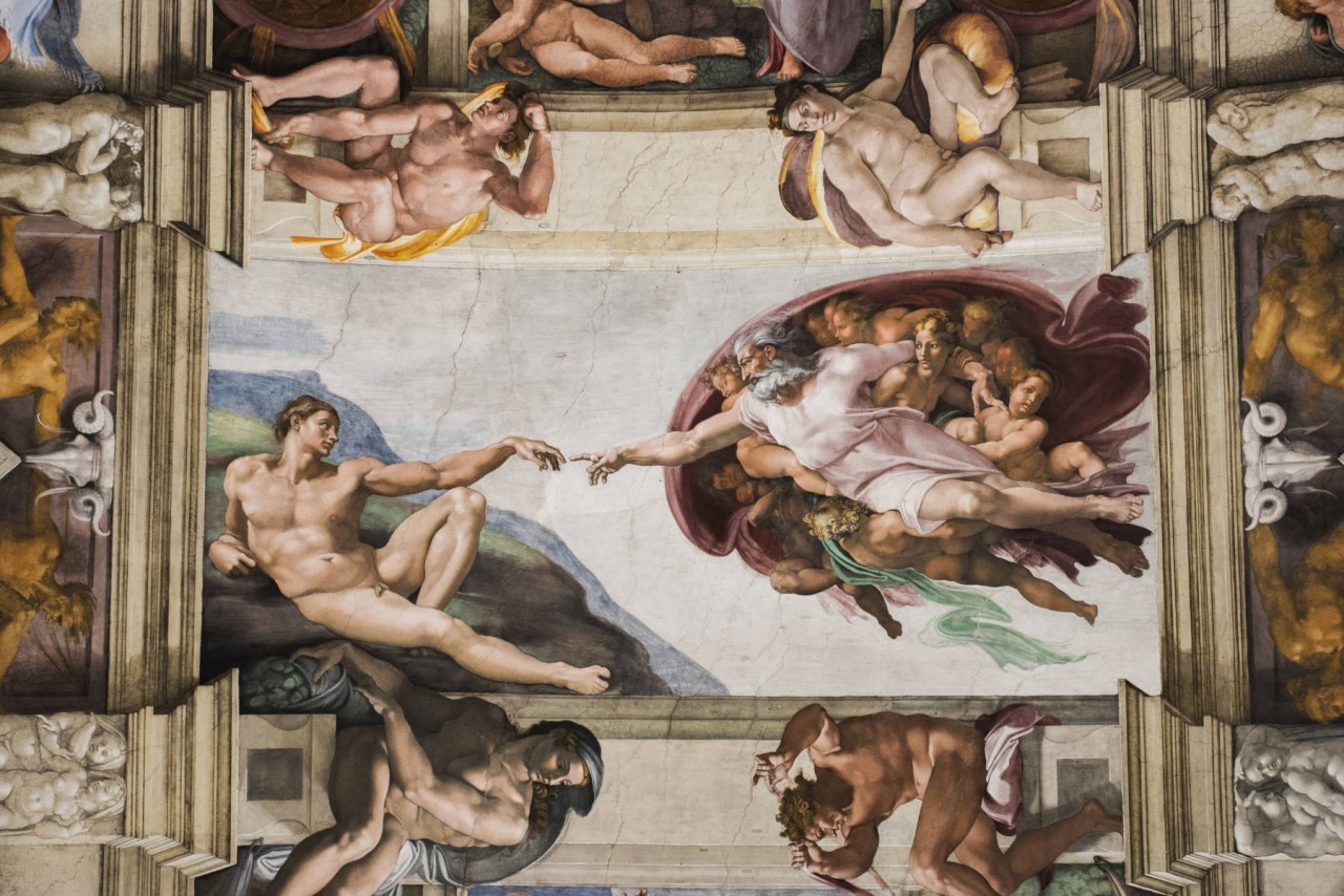 Detalle del fresco de la Creación de Adán en la Capilla Sixtina, en los Museos Vaticanos