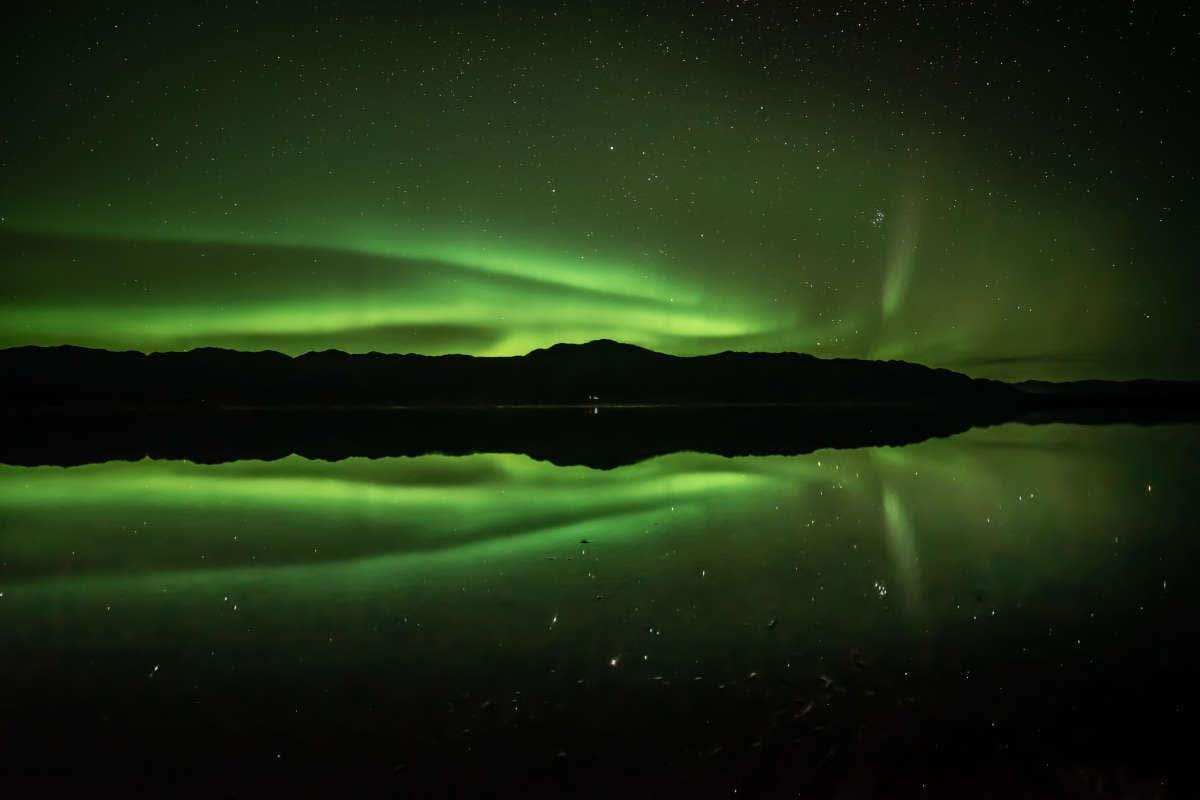 La aurora boreal sobre el río Yukón